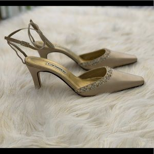Caparros beaded and sequined satin shoes size 9